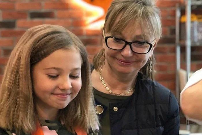 Младшая внучка Михаила Боярского с каждым днем все больше похожа на Ларису Луппиан