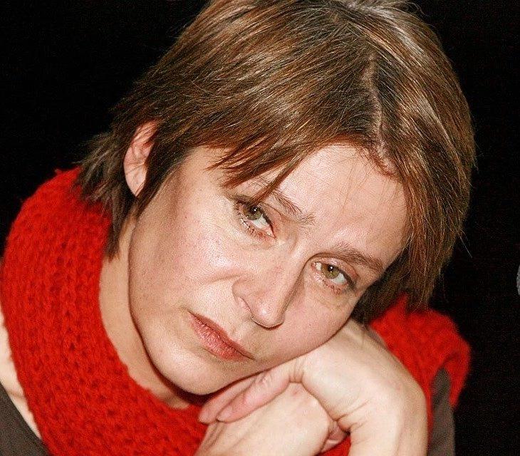 «Первый сын от женатого, второго пришлось оставить в другой стране»: Елене Сафоновой 64